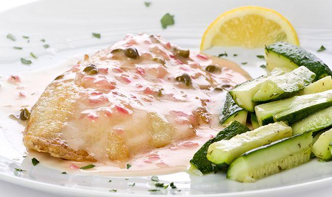 Filet de pescado en salsa blanca