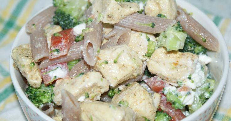 Sałatki  - Sałatka z makaronem, kurczakiem i feta