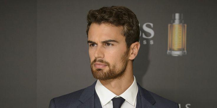 Theo James, la caution sexy du nouveau thriller de Netflix