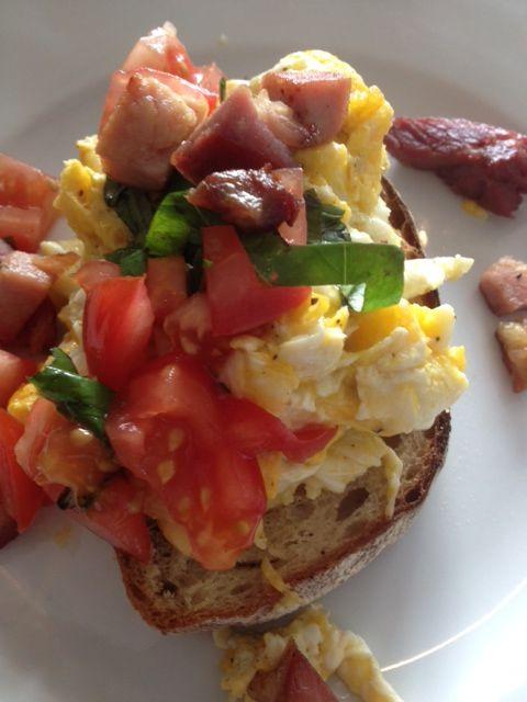 Breakfast of ham, eggs & tomatoes