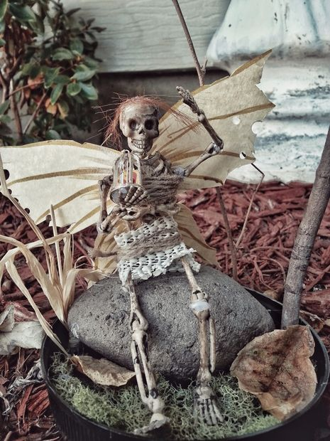 This little creature will be happy to haunt your garden this Halloween.