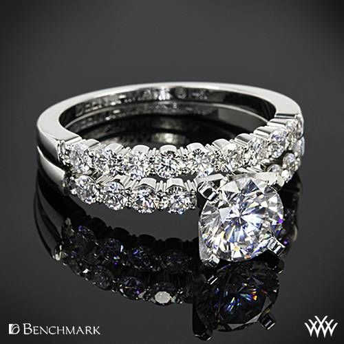 14k White Gold Benchmark Sp4 Shared G Diamond Wedding Set