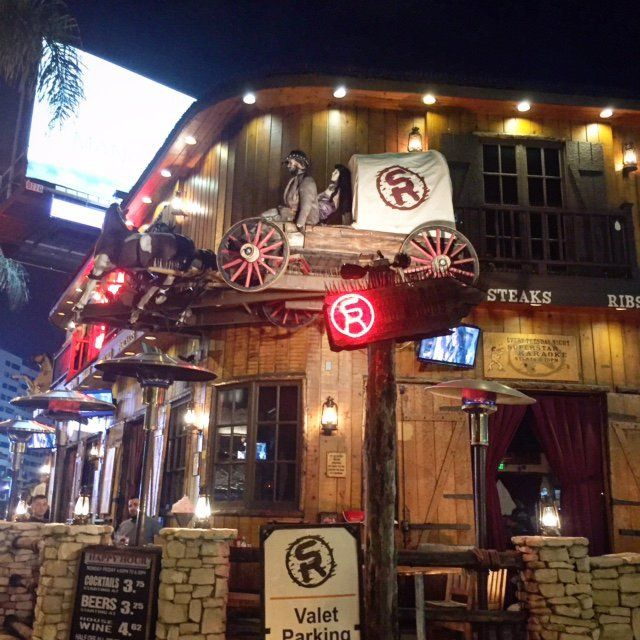Saddle Ranch Chop House can be found in the heart of the Sunset Strip in West Hollywood, as well as City Walk at Universal Studios.  #GlitteratiToursLA