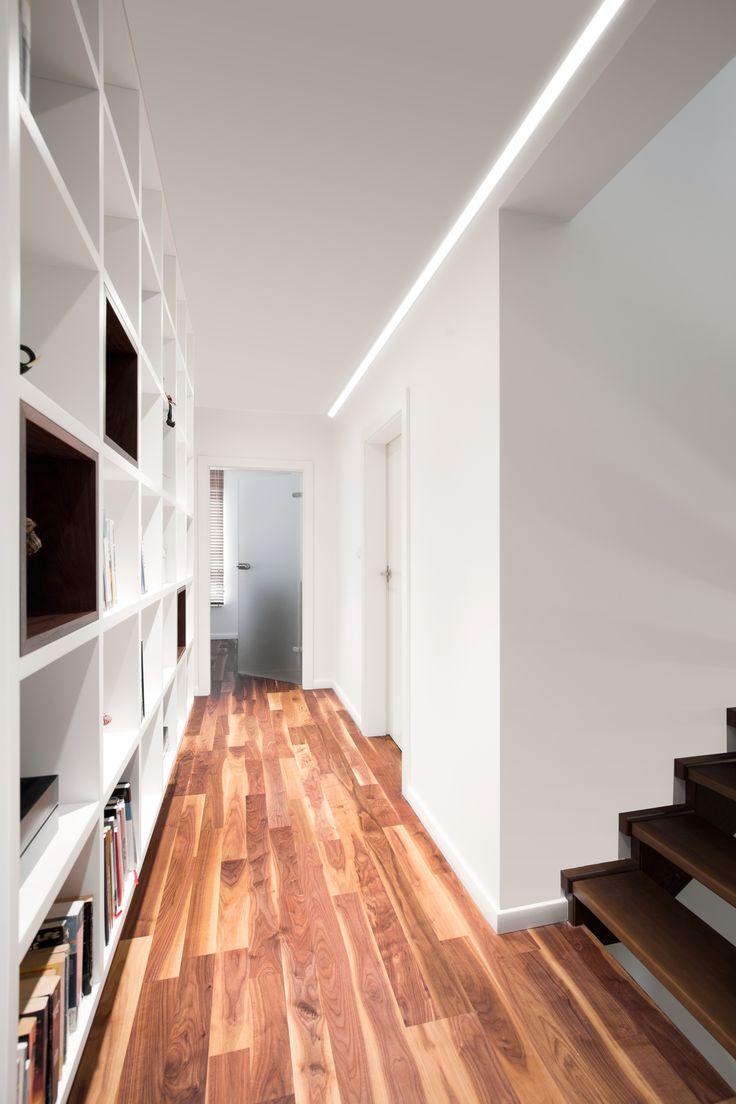 Profilo LED per velette in cartongesso ad installazione a parete, ad angolo. http://www.atenalux.com/?p=933&lang=it | LED profile for plasterboard ribs. Wall corner installation. http://www.atenalux.com/?p=933&lang=en