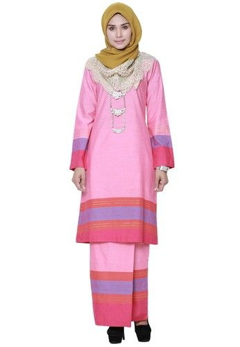 The Fablous from Hijrah Couture in Pink and Purple - High quality cotton- Perfect tailor made- Cutting Kurung Pahang ... #bajukurung #bajukurungmoden