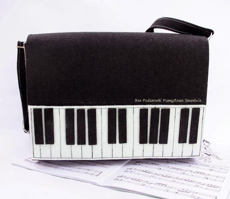 Przenośne pianino, by praca szła jak z nut!