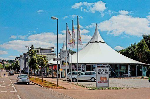 Die Frei-Otto-Zelte: vorn der Küchenpavillon, dahinter der zum Verkauf stehende Pavillon. Foto: FACTUM/Granville