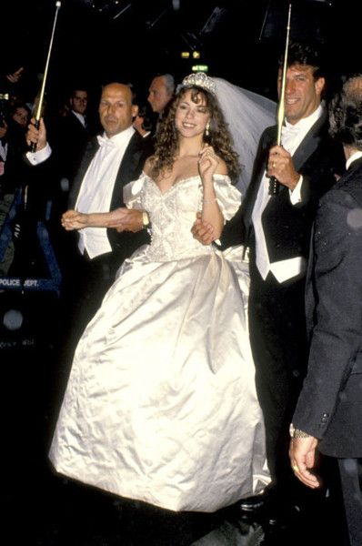 Mariah Carey and Tommy Mottola (1993) - Vintage Celebrity Wedding Photos - Photos