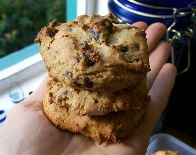 Quirky Cooking: Almond Butter Choc Chip Cookies