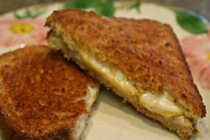 Perfectly Simple, Delicious Lunch: Grilled Cheese in the NuWave Oven @Hearthware | Busy-at-Home