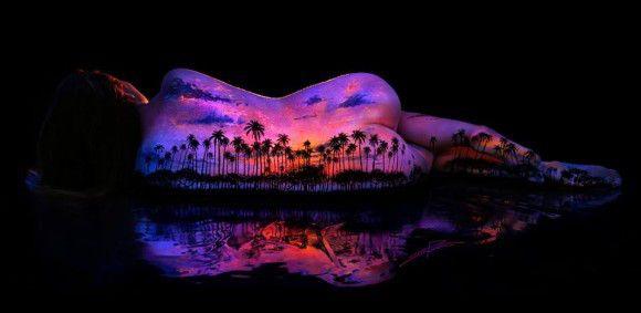 「蛍光塗料」の画像検索結果