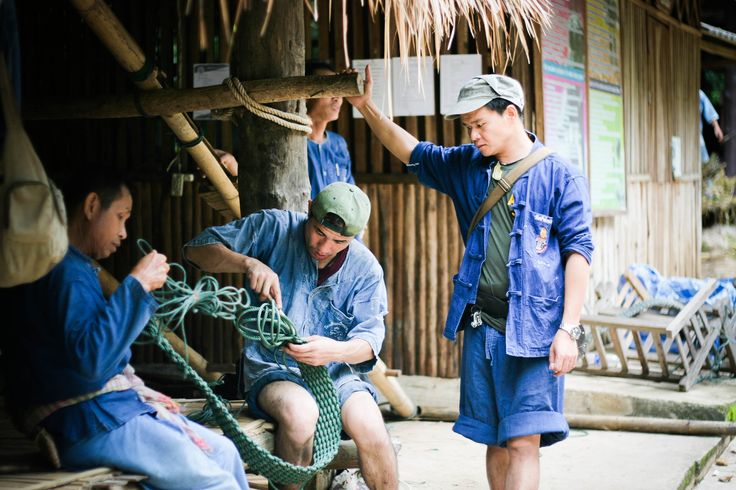 Mahouts making rope, The Royal Thai Elephant Conservation Centre (Lampang, Thailand)
