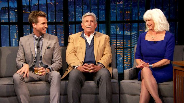 Seth Meyers' annual Thanksgiving episode was last night: he purposefully didn't tell jokes about politics and his only guests were his whole family. It's wonderful! http://ift.tt/2gH1P5R