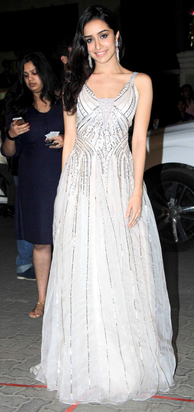 Shraddha Kapoor arriving at the 60th Filmfare Awards 2014. #Bollywood #Fashion #Style #Beauty