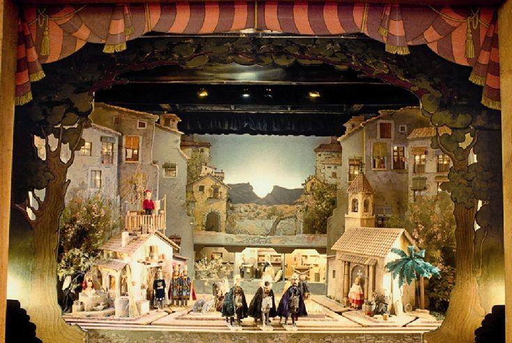 El Betlem del Tirisiti declarado Bien de Interés Cultural, es una muestra singular del teatro popular de marionetas de varilla y constituye una de las ofertas más atractivas y originales de nuestro periodo navideño. #Alcoy #Alcoi #Navidad