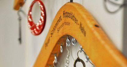 Reciclando todo y mas... : Ganchos para colgar collares