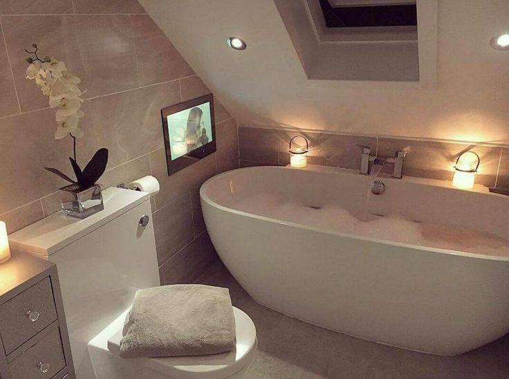 Die besten 25+ Badezimmer mit schräge Ideen auf Pinterest - weies badezimmer modern gestalten