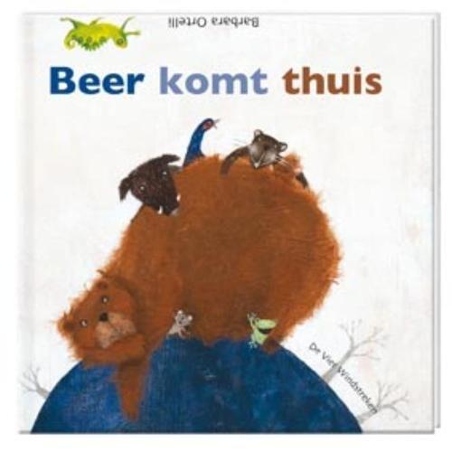 In het boek Beer komt thuis van Barbara Ortelli wonen zes dieren bij elkaar in Baobab. 6 huizen in een boom. Precies genoeg plek voor iedereen. Maar dan komt een reusachtige Beer er een plek zoeken.  En die is niet welkom! Want hoe moet zo'n grote beer er nog bij?