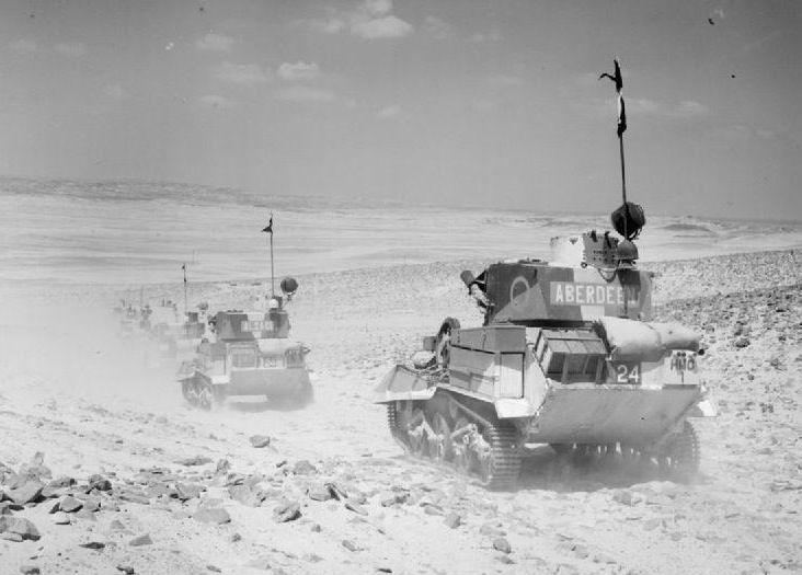 The British Army in North Africa 1940 - Light tanks of the United Kingdom - Vickers light tanks cross the desert, 1940