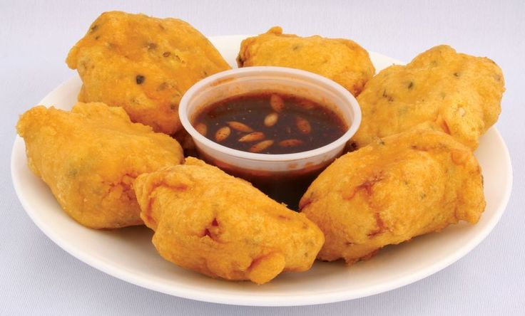 Caribbean Pholourie is an all-time favorite snacks among trinidad recipes in Guyana among other Caribbean countries. Popularly served in Trinidad and Tobago as a delicious appetizer.