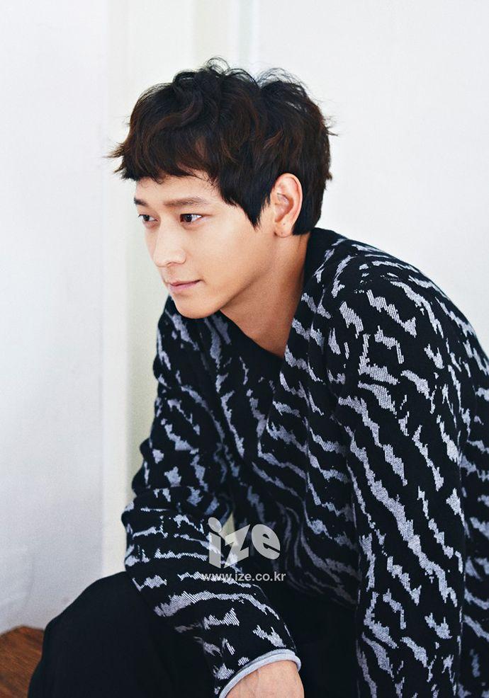 Kang Dong Won - ize Magazine September Issue '14