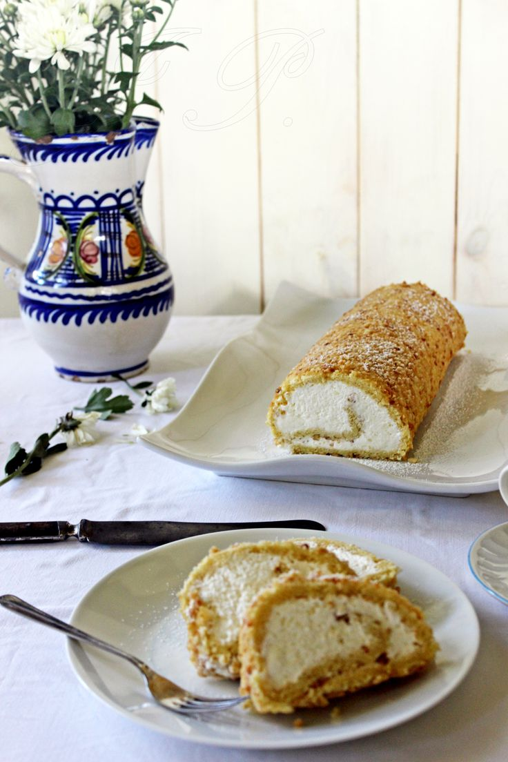 Brazo de gitano de cacahuetes y nata :: Arašídová roláda se šlehačkou