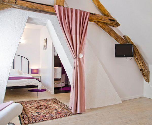 1000 images about une chambre dans les combles on pinterest ceilings loft bedrooms and attic. Black Bedroom Furniture Sets. Home Design Ideas