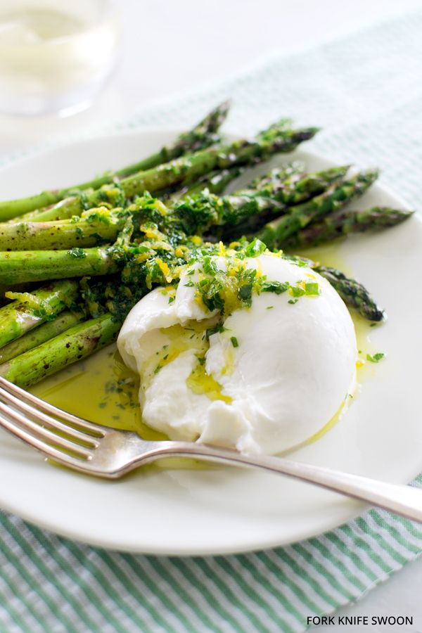 Quick Roasted Asparagus with Burrata and Gremolata - Fork Knife Swoon