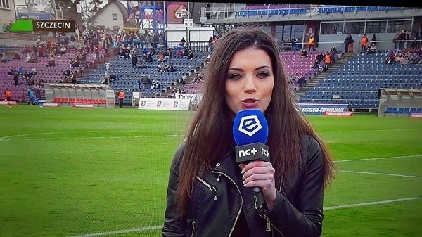 Trochę pozmieniało się na szczycie Ligi Polskiej • Takie reporterki relacjonują wydarzenia w Ekstraklasie • Zobacz piękną kobietę >> #women #pol #polska #pilkanozna #ekstraklasa