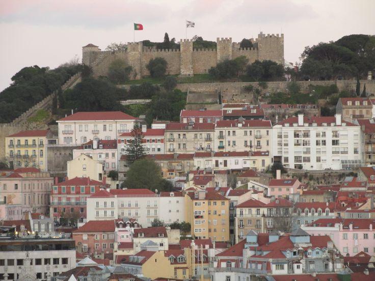 Lisboa vista do Miradouro de S. Pedro de Alcântara