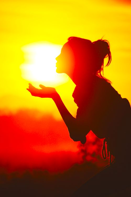 Blowing Kisses to the Sun ~ hey, here's a fun photo idea!