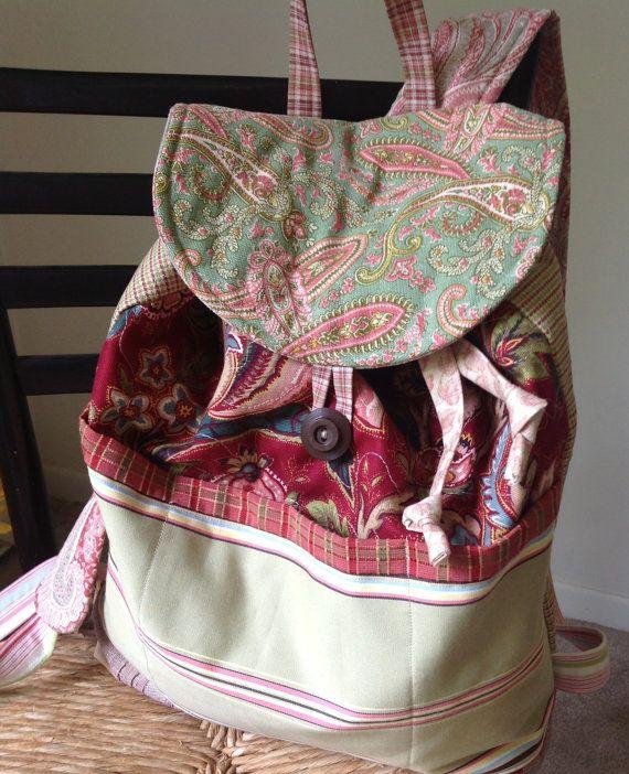 Características de mochila acolchoadas coordenação tecido