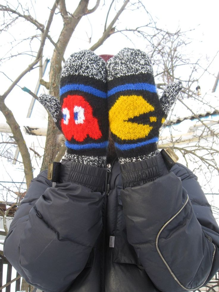 Варежки по мотивам игры Пакман (Pac-Man). Блинки (Blinky) — красное привидение. #BananaMamaMade #handmade #knitwork #knitting #mittens #withlove #pacman #рукавицы #варежки #пакман #спицами