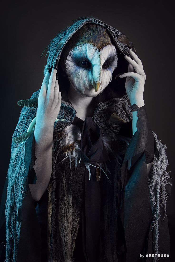 Photo/Retouch: Abstrusa Makeup/Model: Fiona (makeup, dark, strange, owl, contact lenses, sclera,feathers, animal, cute, costume, cosplay, scary, horror, halloween, terror, portrait,photography, special fx, artist, art, harry potter, fantasy, fiction, film, movie)