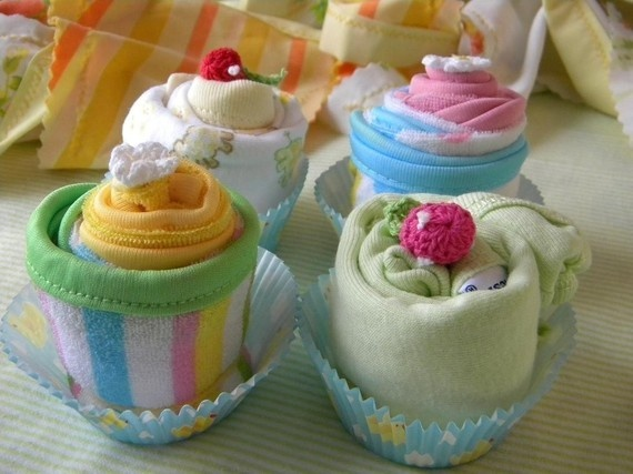 2 onesies and wash cloth cupcakes! adorable gift idea!