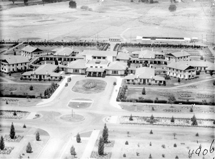 1929 Ariel view of Hotel Canberra and Commonwealth Avenue looking west.