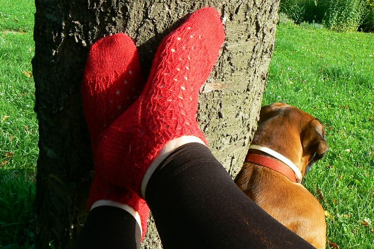 Ravelry: modena's Justyne red summer lace socks