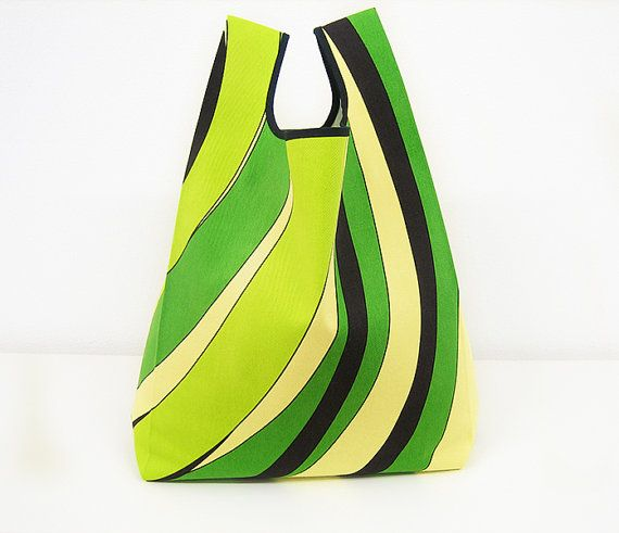 Green tote bag handmade with strong cotton by AtelierSettembre, €16.00