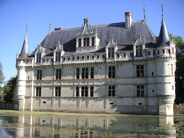 château d'Azay-le-rideau par le jardin, façade coté douve