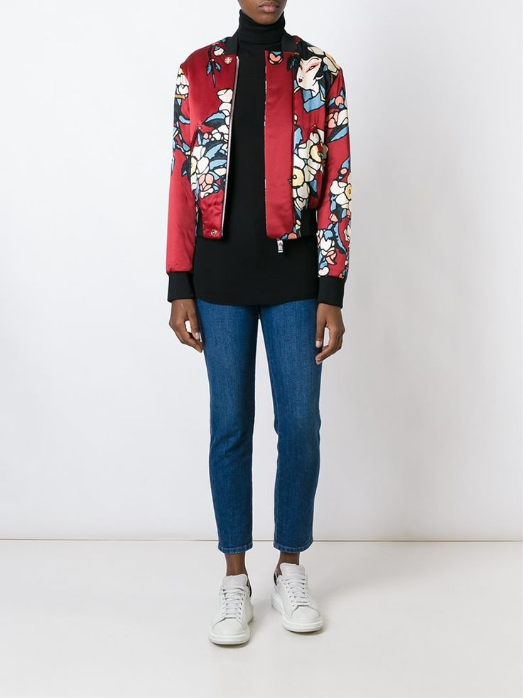 ¡Cómpralo ya!. Dsquared2 'Blossom' Bomber Jacket. Red and black silk 'Blossom' bomber jacket from DSQUARED2 featuring a ribbed crew neck, a concealed front fastening, side slit pockets, long sleeves, a ribbed hem and cuffs and an all-over print. , chaquetabomber, elbowdiamond, baseball. Chaqueta bomber  de mujer color rojo de DSQUARED2.