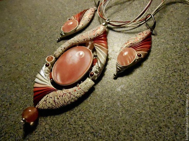 """Купить Комплект """"Розовые лепестки"""" - коралловый, натуральные камни, натуральная кожа, украшения ручной работы"""