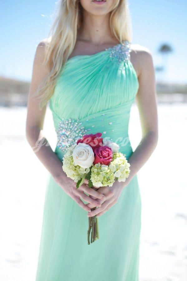 cfc1ab2643 beach wedding dress beach wedding dresses...could I pull this color off????    my wedding   Buquês de casamento, Casamento na praia, Noivado