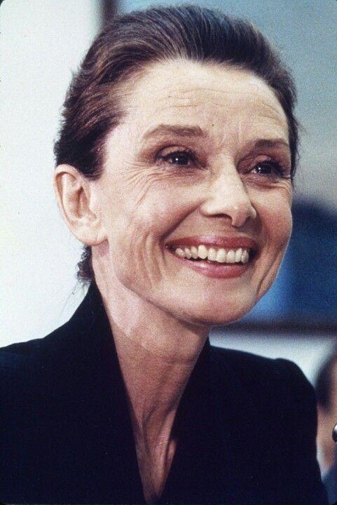 BEAUTY: French Beauty Secrets… – Tagträume aus der Gänseblümchenkette…   – Audrey Hepburn Style Inspiration