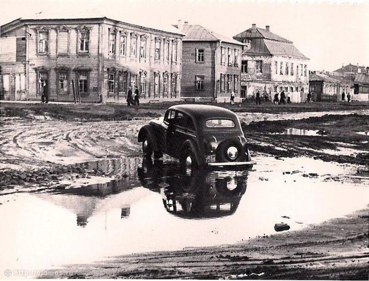 Фото нач. 1950-х гг. Собчинского В.В. из архива Яковлевой Т.В.  Примерно возле современных домов 8, 10, 12 по Старомарьинскому шоссе.