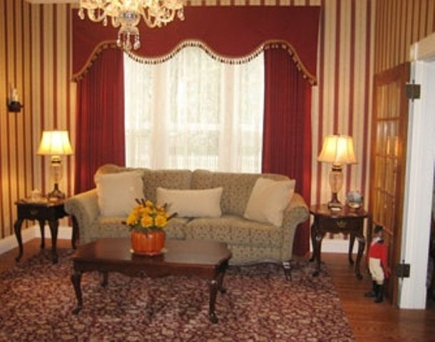 28 best images about historical design styles on pinterest for Victorian room style