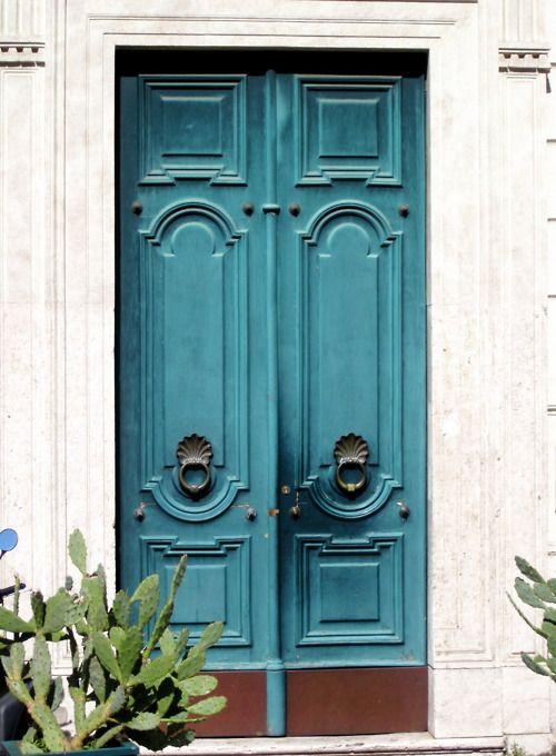 Puerta color turqueza