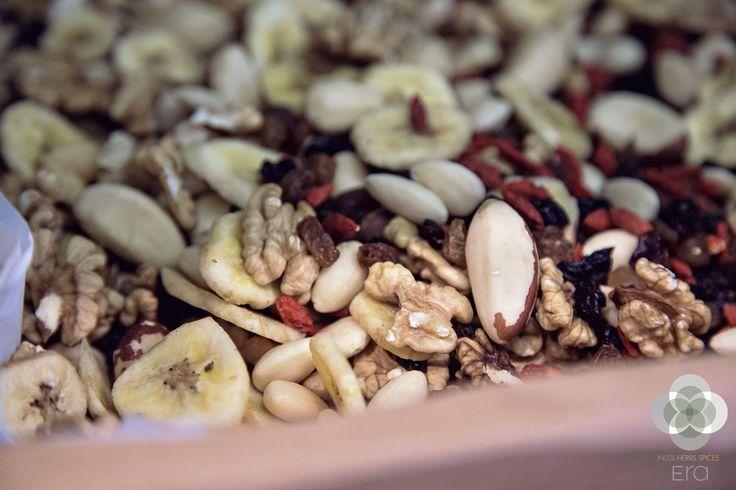 Ένα mix ξηρών καρπών είναι το ιδανικό σνακ για να σας γεμίσει ενέργεια και να συνεχίσετε τη μέρα σας! #EraLovers http://bit.ly/era-mix-ξηρών-καρπών