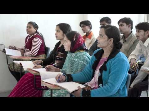Microsoft - Digital Literacy Curriculum - Help your students live and thrive in the 21st century digital world with Microsoft's Digital Literacy Curriculum. These e-learning materials help you teach and assess computer concepts and skills so your students can use technology to develop new social and economic opportunities for themselves, their families, and their communities.: Students Living, Teacher