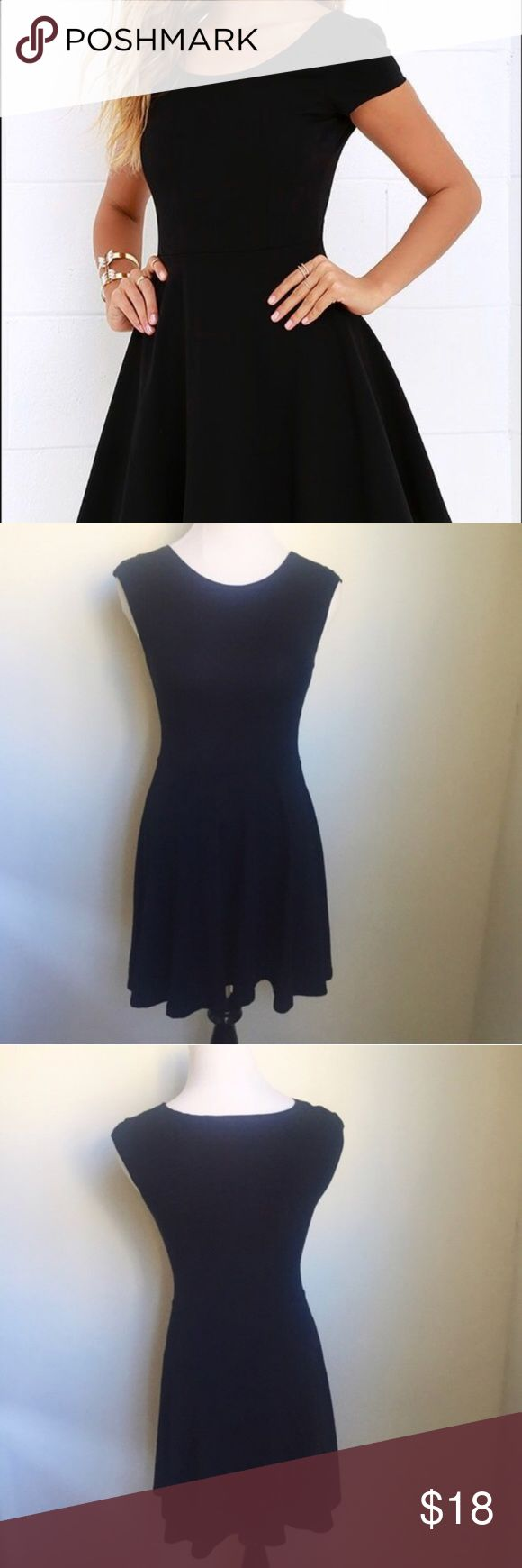 ✨SALE✨ Topshop Petite Stretchy Black Skater Dress ✨SALE✨ Topshop Petite Stretchy Black Skater Dress Topshop Petite Stretchy Black Skater Dress   Measurements laying flat: Underarm to underarm- 12 Total length- 31 Waist -11   👍🏻👍🏻 Bundle and SAVE! 👍🏻👍🏻 🛍 10% off 2 or more items 🛍 🙅🏻🙅🏻 NO TRADES 🙅🏻🙅🏻 🚫🚫NO MODELING🚫🚫 Bin 6 Topshop Dresses Mini