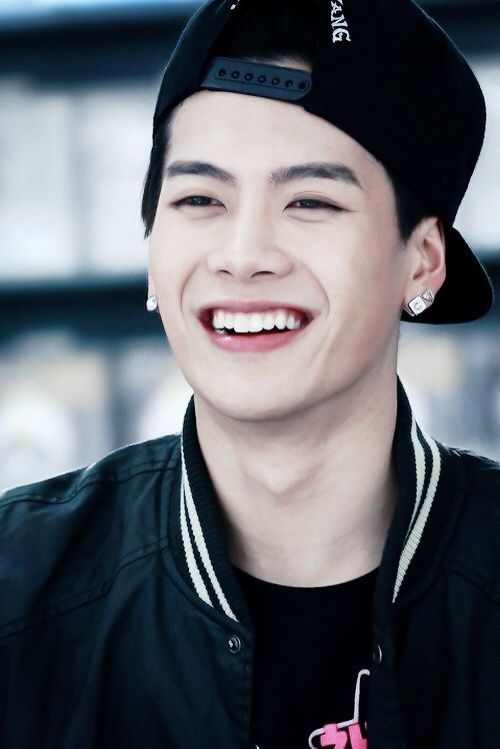 Hwang Jackson of GOT7 (again yes I know his surname is not Hwang obviously he doesn't hav a Korean surname so I just put him in the Hwang Family)